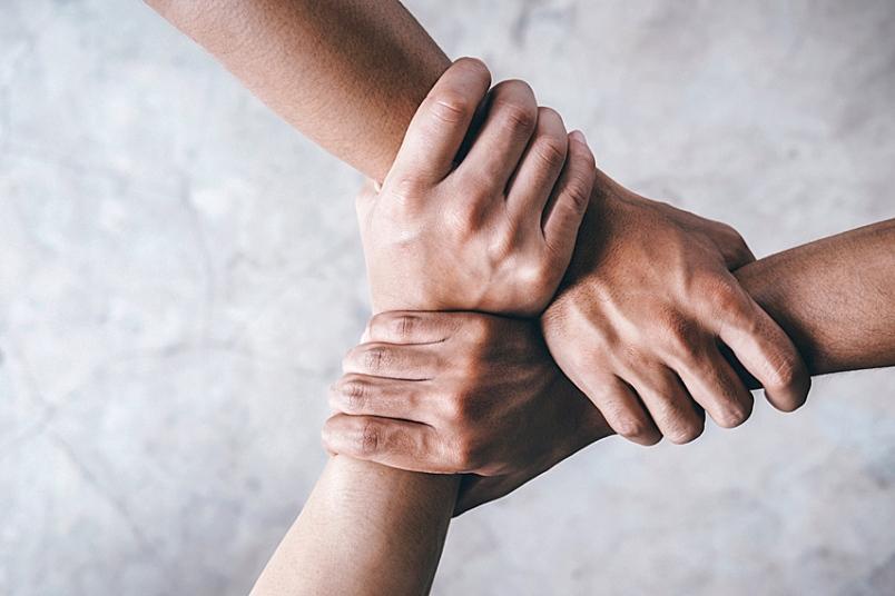 چند راه خوب برای کمک مستقیم به نیازمندان
